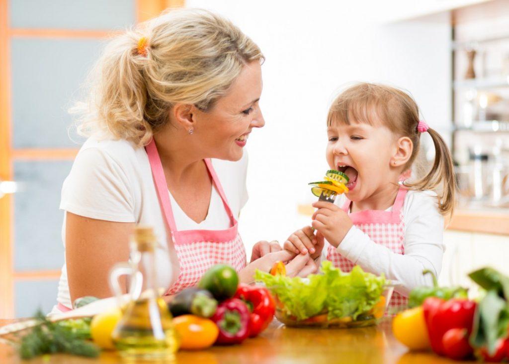 Como enseñarle a los niños a tener conciencia sobre los alimentos